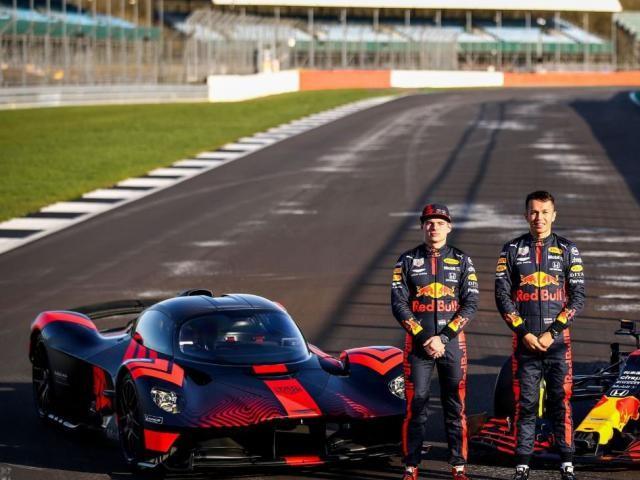 Auto - Max Verstappen et Alexander Albon testent l'Aston Martin Valkyrie