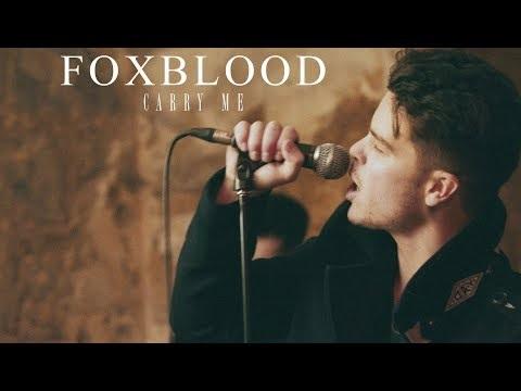 """Foxblooda mis en ligne le clip de """"Carry Me""""."""