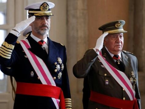 Soupçons de corruption: le roi d'Espagne renonce à l'héritage de son père Juan Carlos