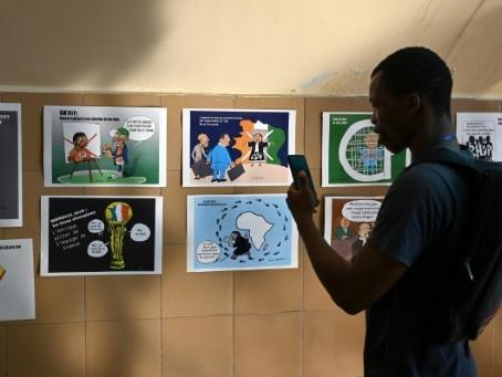 En Côte d'Ivoire, des dessinateurs s'engagent contre les dangers de l'immigration clandestine