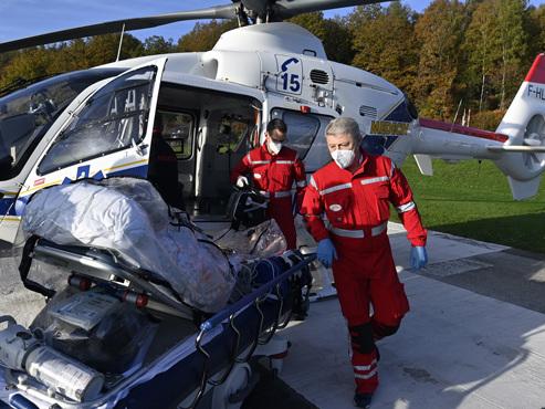 Coronavirus: un premier patient Covid transféré par voie aérienne du CHU de Liège vers l'Allemagne