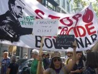 Environ 500 personnes ont manifesté à Bruxelles pour dénoncer les incendies en Amazonie