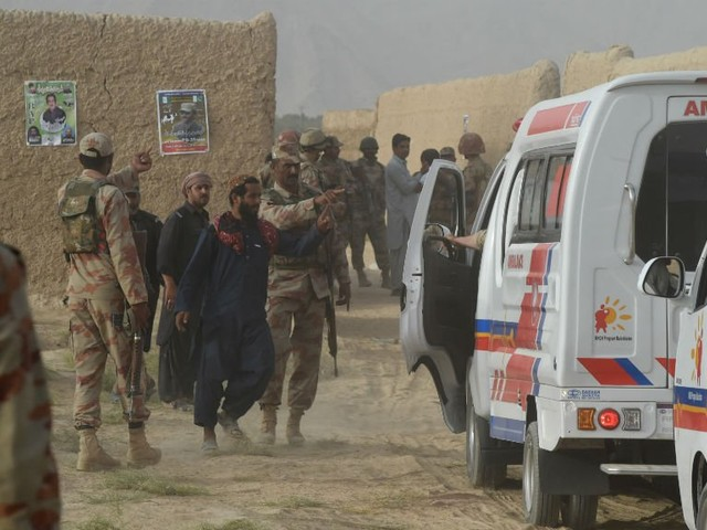 Plus d'une centaine de morts dans un attentat de l'EI contre un meeting électoral au Pakistan