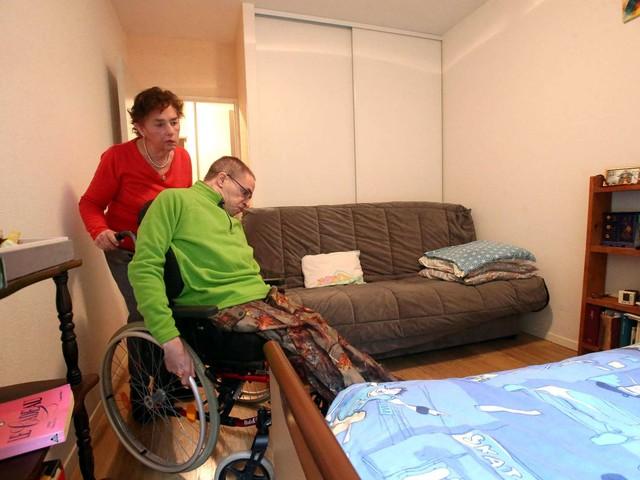 Pau : une mère qui s'occupe de son fils handicapé privée d'une partie de ses ressources