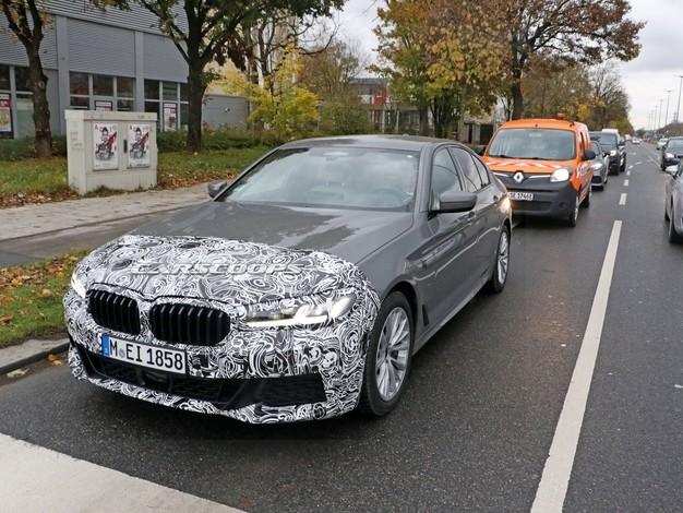 La BMW Série 5 restylée immortalisée avec un pack M Sport