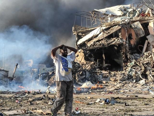 Des dizaines de morts dans un attentat à Mogadiscio, un des pires de l'histoire de la Somalie