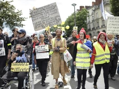 """Nouvel acte des """"gilets jaunes"""", affaiblis après six mois de mobilisation"""