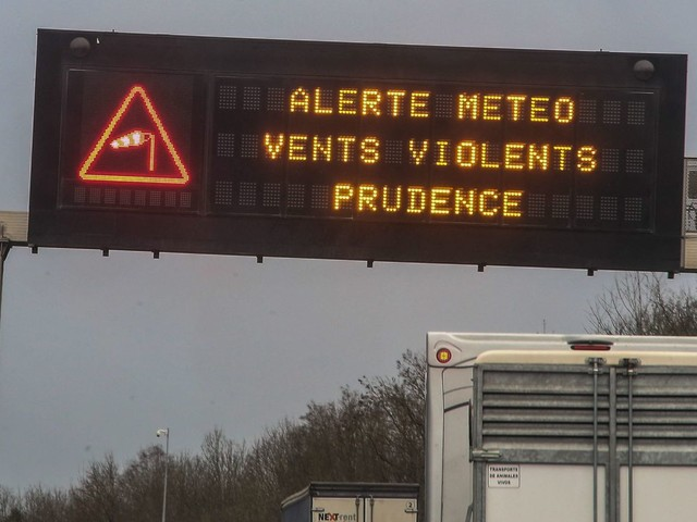 Météo : les départements de la Loire et du Rhône placés en vigilance orange pour vents violents