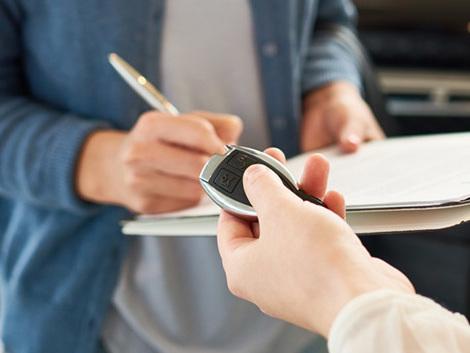 Comment louer une voiture sans carte de crédit ?
