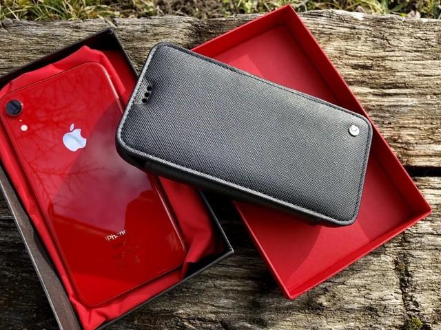 Test de l'étui Noreve en cuir pour iPhone (version XR) : ajusté, élégant et unique !