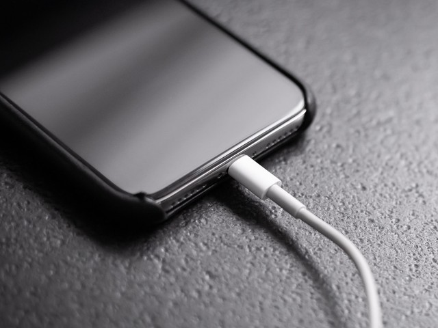 Le port USB-C sur iPhone n'est plus qu'une utopie (vidéo)