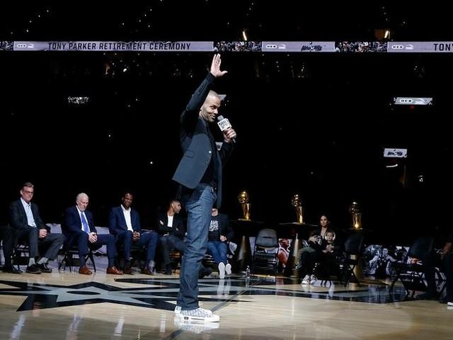 VIDÉOS - NBA : le basketteur Tony Parker entre au panthéon des San Antonio Spurs