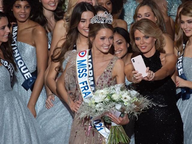 Miss France 2021 et sa séance de dédicaces: Sylvie Tellier répond à la polémique