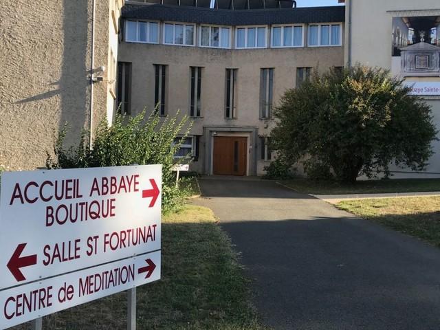 Poitiers : interdiction d'un essai clinique sauvage mené sur au moins 350 patients atteints de Parkinson ou d'Alzheimer