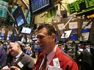 Wall Street : en nette hausse avec le commerce et la Fed