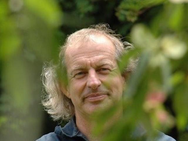 Jean Thoby, le botaniste qui écoute le chant des plantes, présente ses travaux à Toulouse