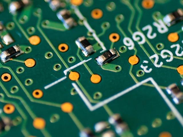 Apple resigne avec Broadcom, spécialistes des technologie sans fil