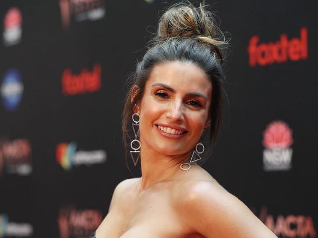 """""""Hartley, cœurs à vif"""" : que devient Ada Nicodemou, l'inoubliable Katarina de la série australienne culte ?"""