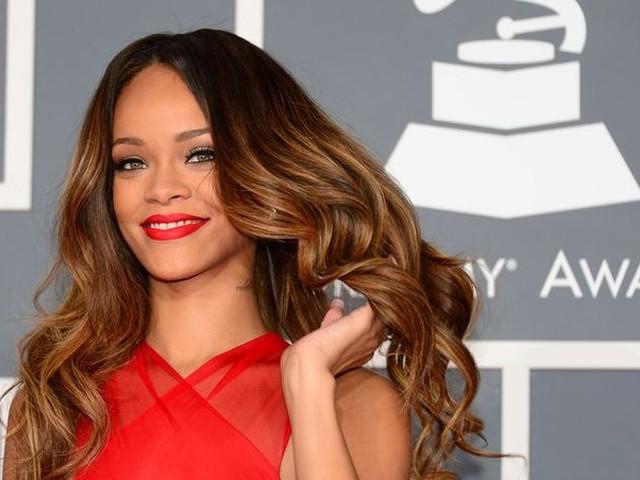 Rihanna choquée : elle découvre une fillette qui est son sosie