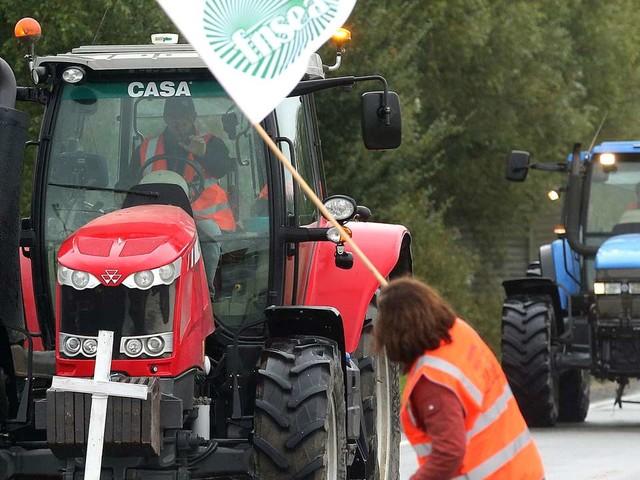 La colère du monde agricole, l'autre foyer de tension