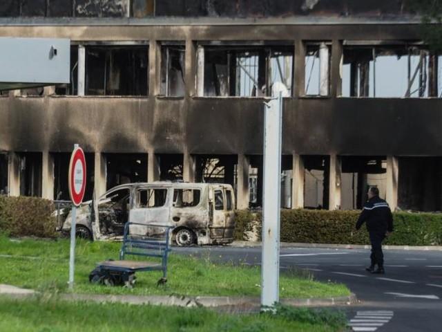 Saccage du péage de Narbonne: prison ferme pour 21 des 31 prévenus