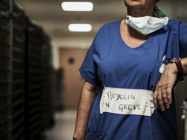 Tarification à l'acte: la fausse-bonne idée qui a conduit l'hôpital au burn-out