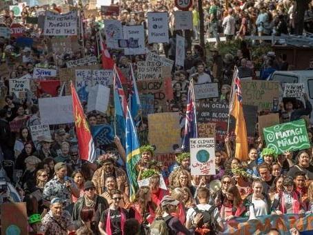 Des dizaines de milliers de Néo-Zélandais à nouveau dans la rue pour le climat