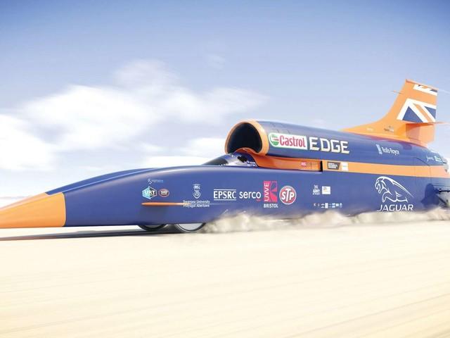 Bloodhound SSC : la voiture supersonique a pris la piste