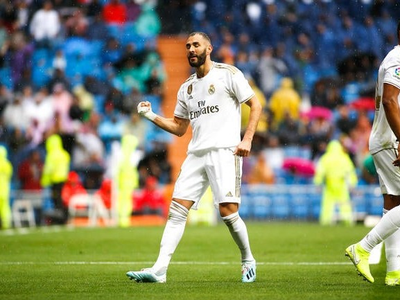 France : Karim Benzema un peu plus dans la légende