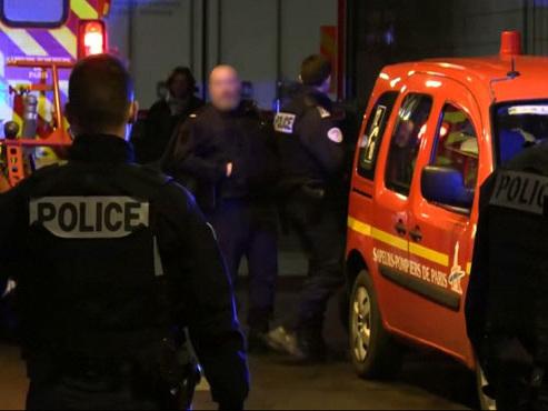 Paris: des policiers tuent un homme évadé d'un établissement psychiatrique qui les menaçait avec une scie