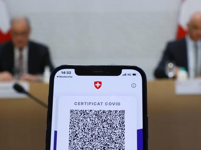 Face au Covid-19, la Suisse généralise le pass sanitaire à son tour