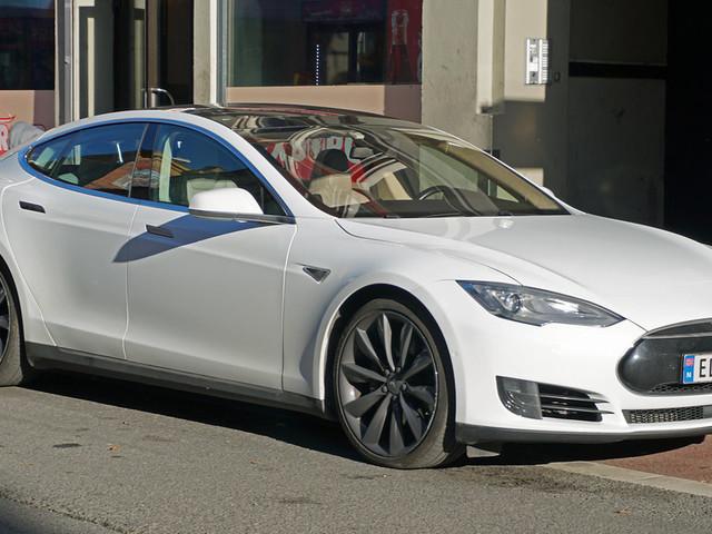 Comment voler une Tesla en 30 secondes ?