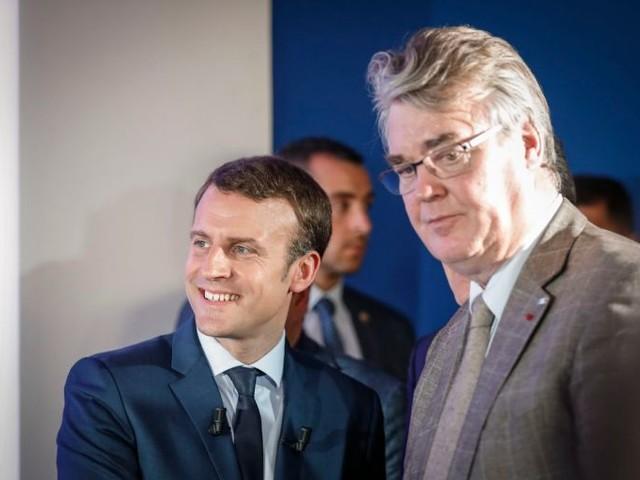 Affaire Delevoye : Emmanuel Macron et l'article 5 de la Constitution – Par Régis de Castelnau