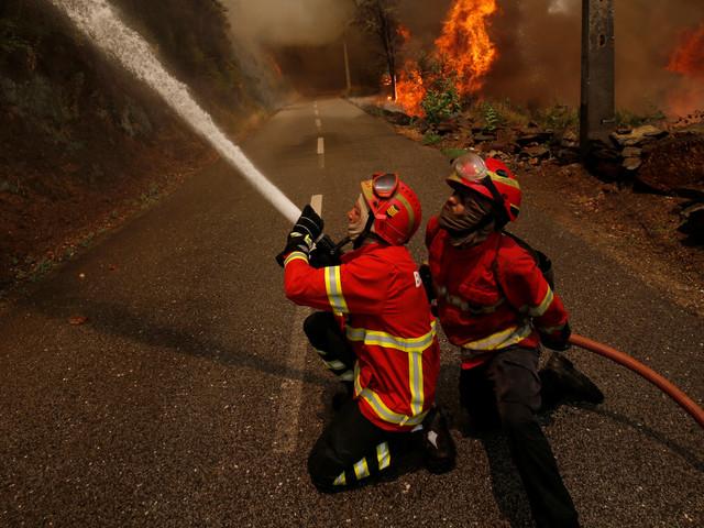 L'incendie ayant fait 64 morts au Portugal est presque complètement éteint (VIDÉO)