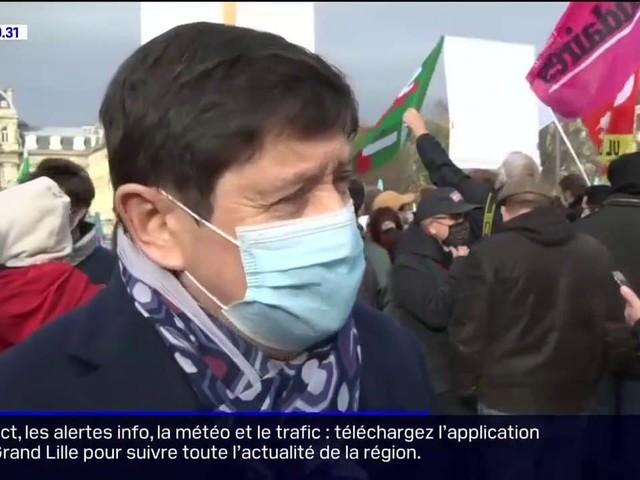 """Lille: un millier de manifestants ont défilé contre la loi """"sécurité globale"""" ce samedi"""