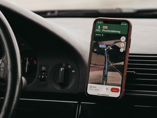 Google Maps: le signalement d'incidents à la Waze débarque dans l'app iPhone