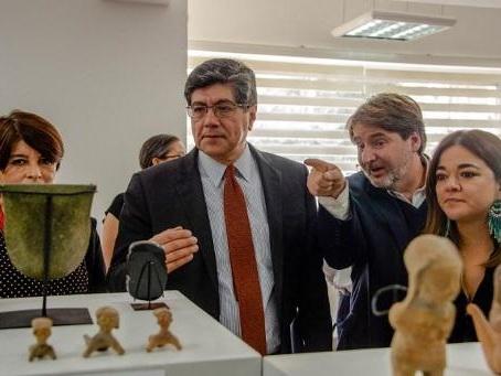 Equateur: présentation d'objets pré-colombiens rapatriés d'Allemagne
