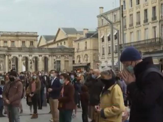 Messe à Bordeaux: les organisateurs de la manifestation convoqués par la police