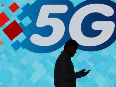 """La France n'est """"pas en avance"""" sur le déploiement de la 5G"""
