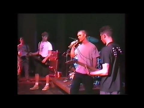 Hard Stanceen live en 1990 ? Le nom de vous dit rien, effectivement le groupe n'est pas des plus...
