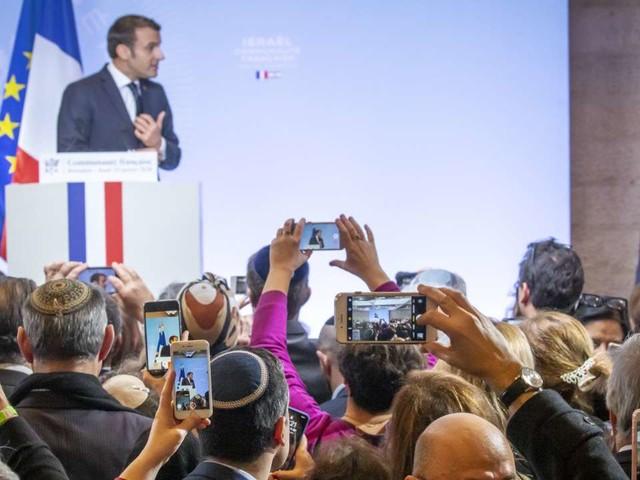 Emmanuel Macron s'alarme de la violence et du «traumatisme profond» de «nos démocraties»