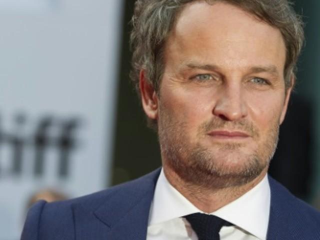 """Jason Clarke, star de """"Winchester"""", parle d'armes et de fantômes"""