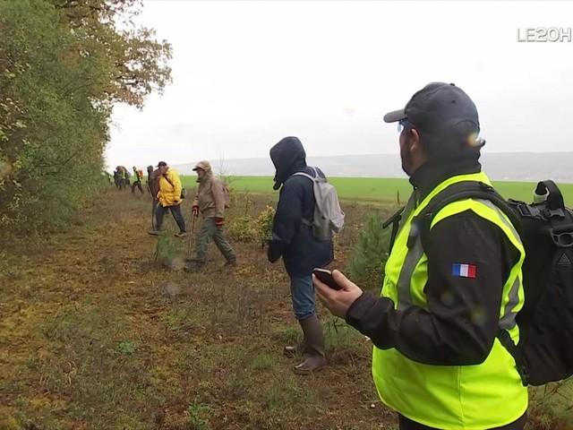 Une battue organisée dans l'Yonne pour retrouver une pièce d'avion tombée en plein vol