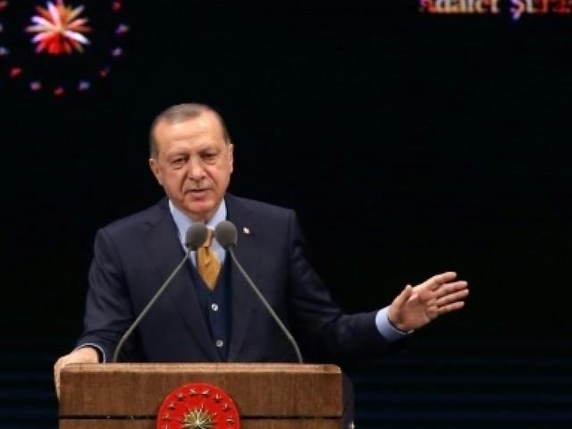 La Turquie réintègre plus de 1.800 fonctionnaires renvoyés après le putsch manqué