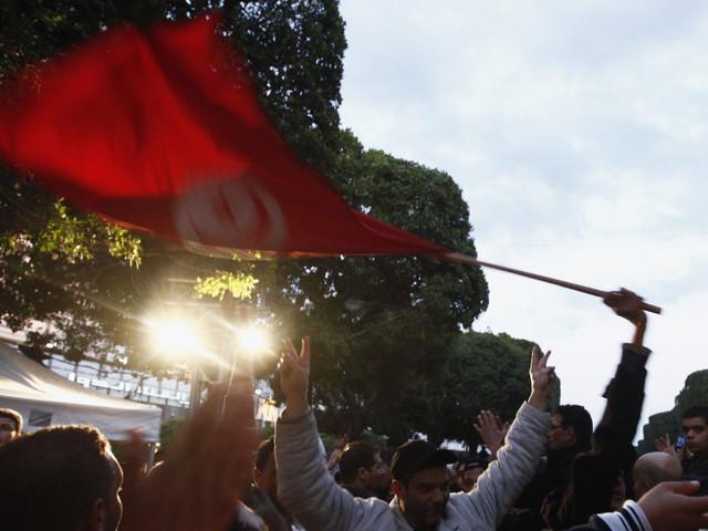 """Le journaliste algérien Hamza Hamouchene met en garde """"contre les attaques néolibérales et néocoloniales"""" qui mettent en danger la souveraineté tunisienne"""