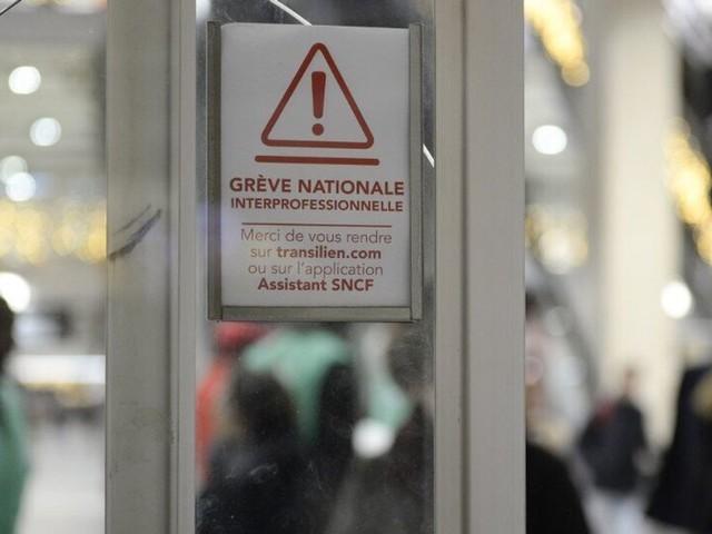 Grève et manifestation du 10 décembre: suivez les perturbations en direct
