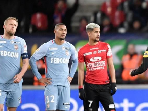 William Vainqueur (Monaco) prend trois matchs, Yann M'Vila s'en sort avec un seul