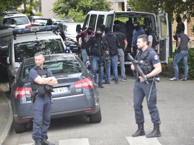 Attentat à Lyon: le suspect va être présenté à un juge antiterroriste en vue d'une mise en examen