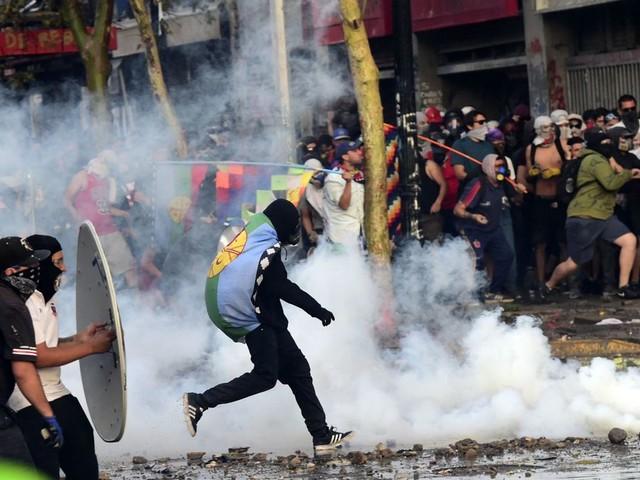 """Accord historique au Chili pour remplacer la Constitution: """"Une victoire contre la violence"""""""