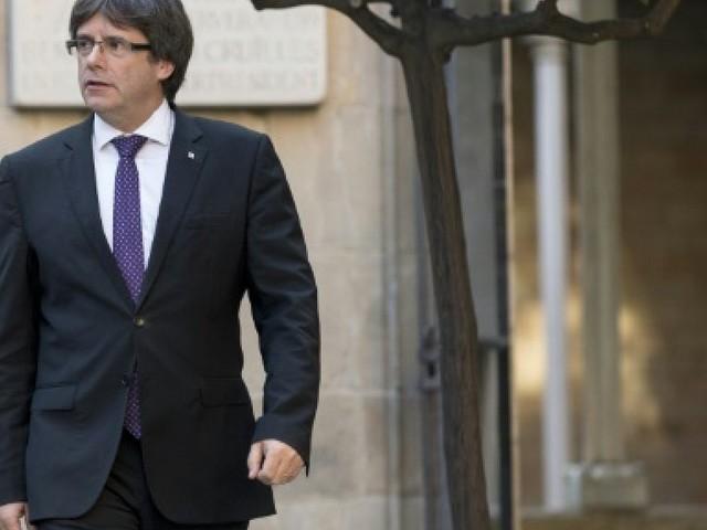 Le dirigeant catalan tiraillé de toutes parts